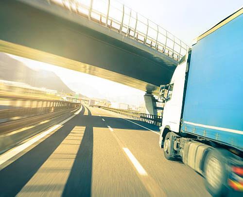 Vrachtwagen rijbewijs halen? Kies voor de beste aanbieder!
